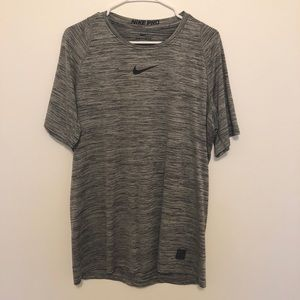 Nike Men's Pro Heather Printed Fitted T-Shirt Sz L